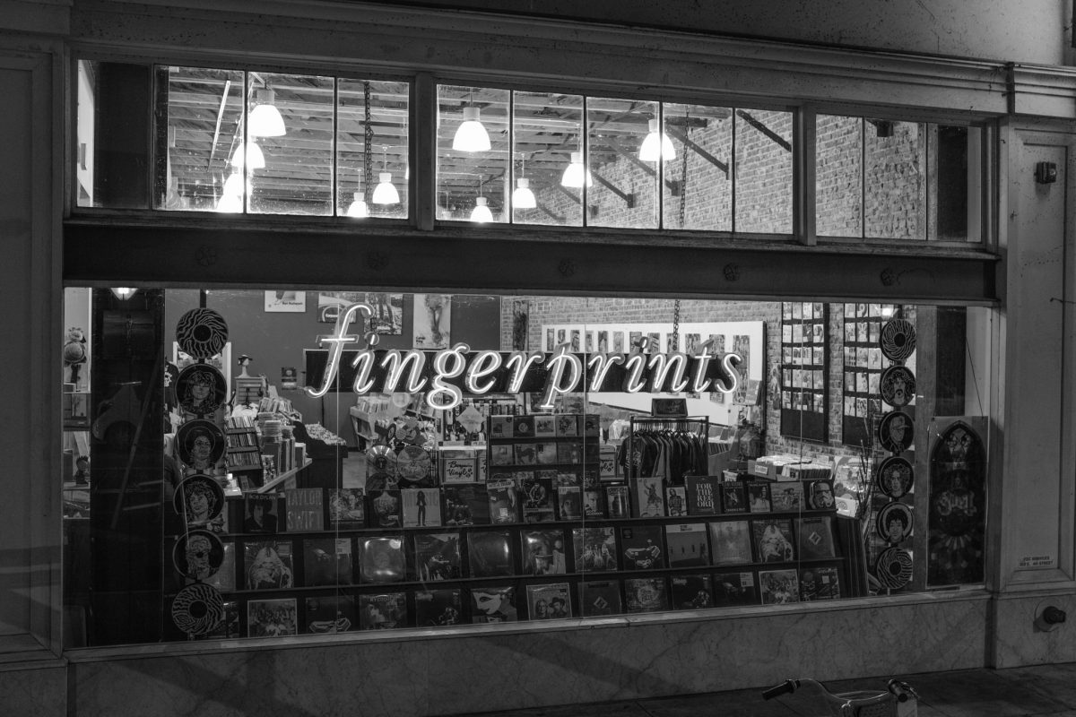 Front Window of Fingerprints Music in Long Beach CA